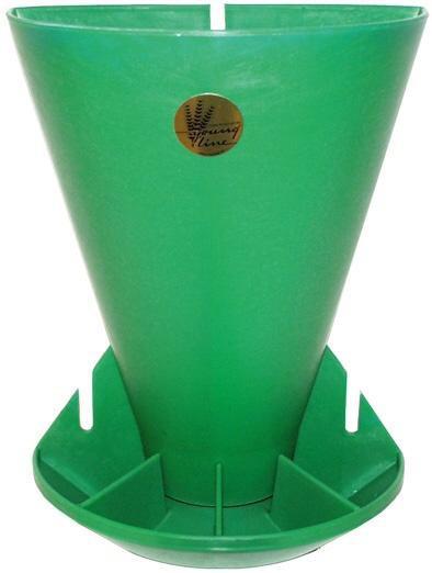 Samokrmítko plastové pro selata polokruh 6 l